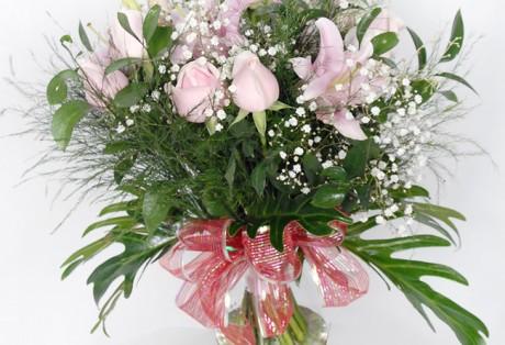 Buque de rosas e lírios cor de rosa